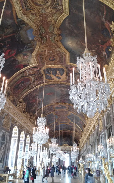 hall of mirrors2