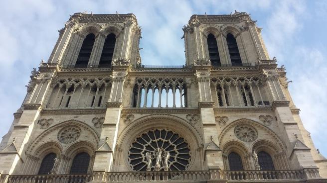 20160116_150519_Parvis Notre-Dame - place Jean-Paul-II