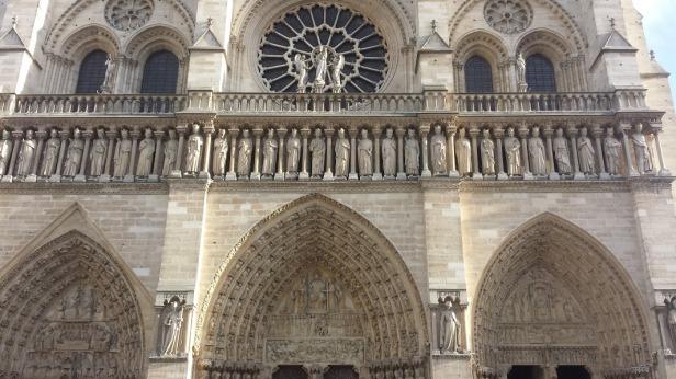 20160116_150525_Parvis Notre-Dame - place Jean-Paul-II