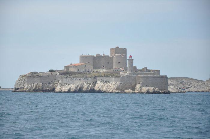 1200px-Château_d'If_(Marseille)