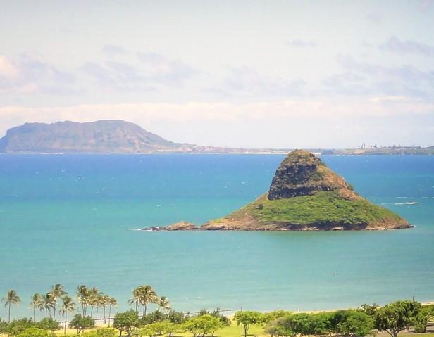 Chinaman's_Hat_-_Oahu_Hawaii