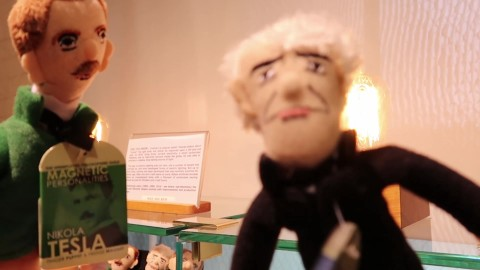 Tesla and Edison finger puppets